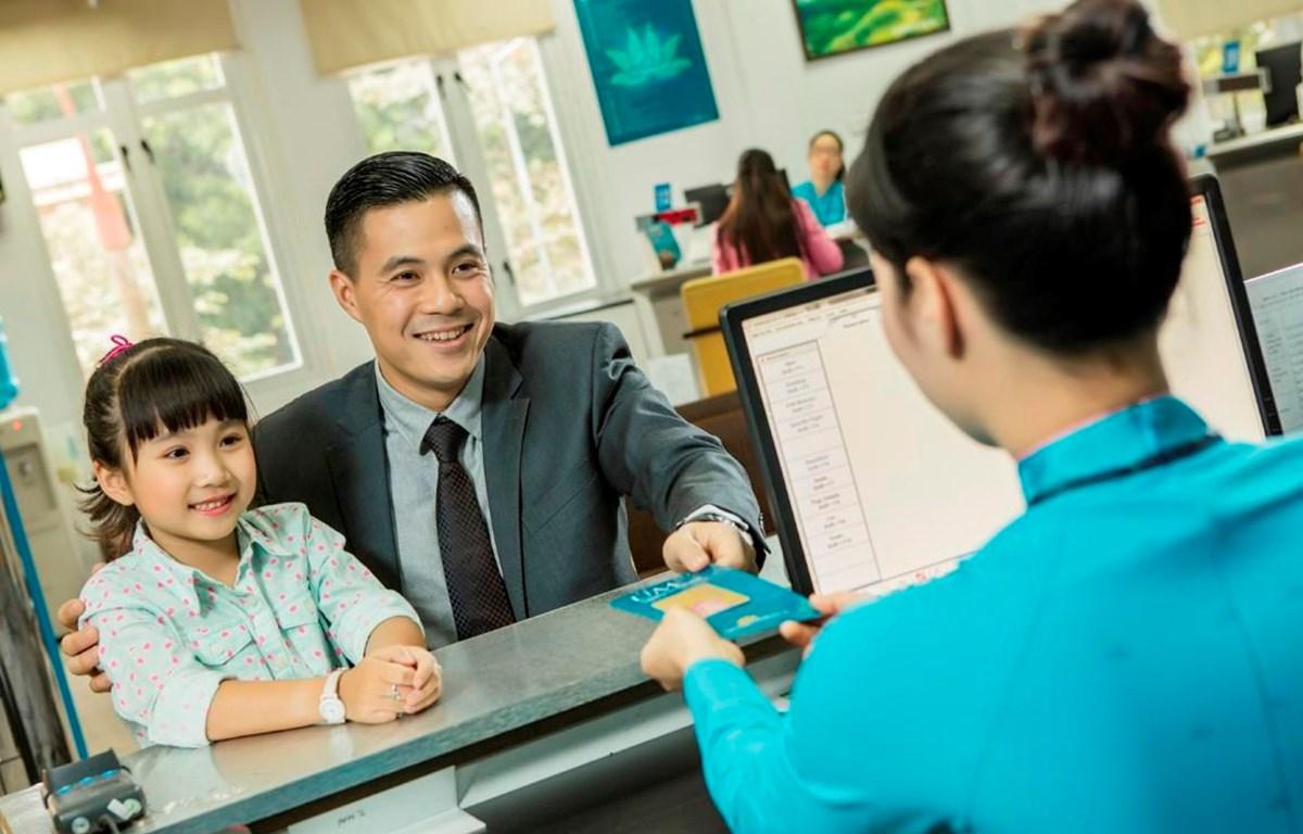 Học sinh, sinh viên có lịch học bị ảnh hưởng bởi dịch virus nCoV sẽ được đổi vé máy bay miễn phí. (Ảnh: CTV/Vietnam+)