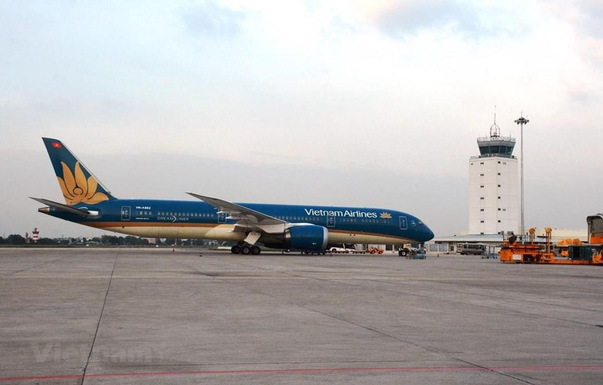 Máy bay của hãng hàng không Vietnam Airlines tại vị trí đỗ ở một sân bay. (Ảnh: Việt Hùng/Vietnam+)