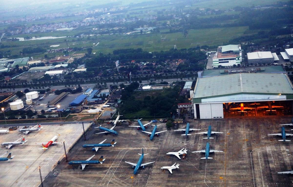 Máy bay của các hãng hàng không tại sân bay Nội Bài. (Ảnh: Huy Hùng/Vietnam+)