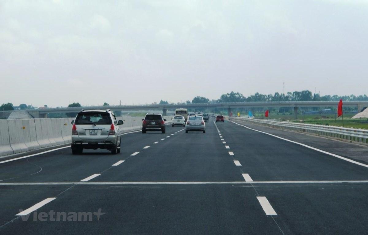 Dự án đường cao tốc Bắc-Nam sẽ cơ bản được hoàn thành vào cuối năm 2021. (Ảnh: Việt Hùng/Vietnam+)