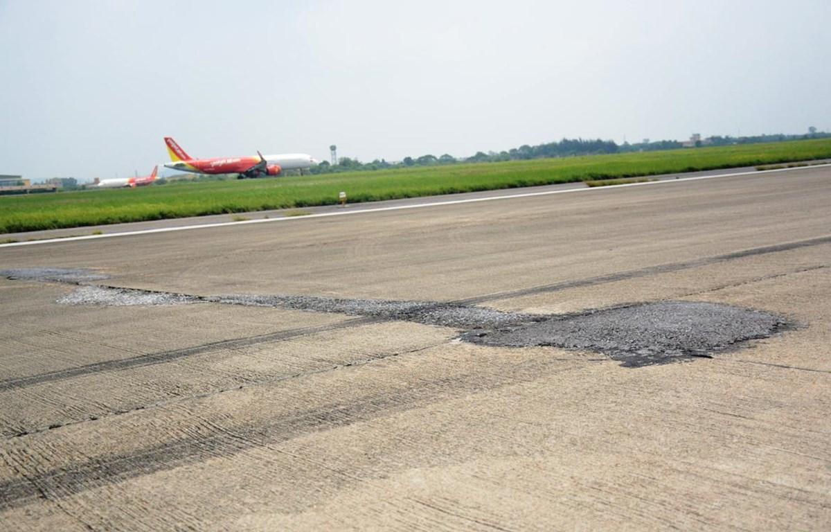 Những hư hỏng đường băng Tân Sơn Nhất và Nội Bài sẽ được khắc phục triệt để. (Ảnh: Việt Hùng/Vietnam+)