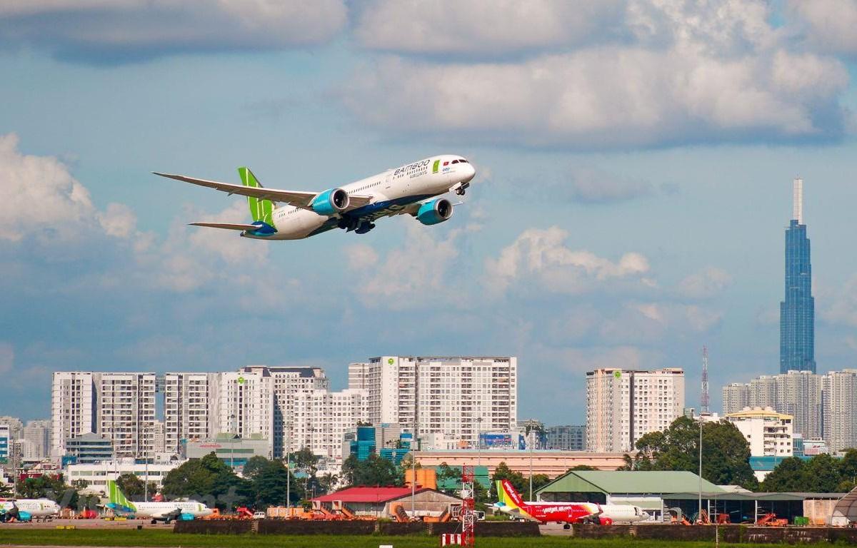 Các hãng hàng không đã tăng chuyến bay và hỗ trợ chính sách đổi vé hoặc hoàn vé bay cho khách đi, đến Đà Nẵng. (Ảnh: Hoài Thu/Vietnam+)
