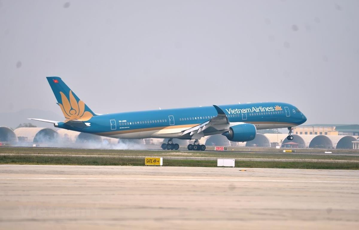 Vietnam Airlines chính thức mở bán vé bay quốc tế về Việt Nam đầu tiên sau COVID-19. (Ảnh: CTV/Vietnam+)