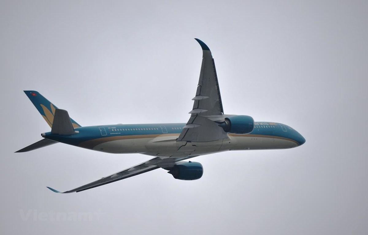 Hàng loạt chuyến bay của Vietnam Airlines tới Vinh, Huế bị hủy hoặc chuyển hướng hạ canh do tời tiết xấu. (Ảnh: CTV/Vietnam+)