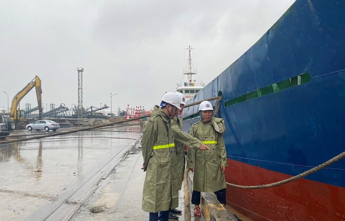 Ông Nguyễn Xuân Sang, Cục trưởng Cục Hàng hải Việt Nam yêu cầu các đơn vị tuyệt đối không được chủ quan, tận dụng triệt để các kinh nghiệm phòng chống bão. (Ảnh: CTV/Vietnam+)