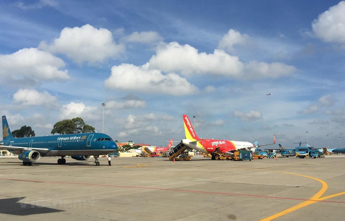 Các hãng hàng không tăng cường các chuyến bay nội địa để đáp ứng nhu cầu đi lại của người dân. (Ảnh: Việt Hùng/Vietnam+)