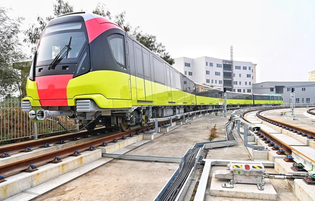 Đoàn tàu đầu tiên của tuyến đường sắt đô thị Nhổn-ga Hà Nội đã chính thức lăn bánh để bước vào giai đoạn chạy thử nghiệm. (Ảnh: MRB cung cấp)