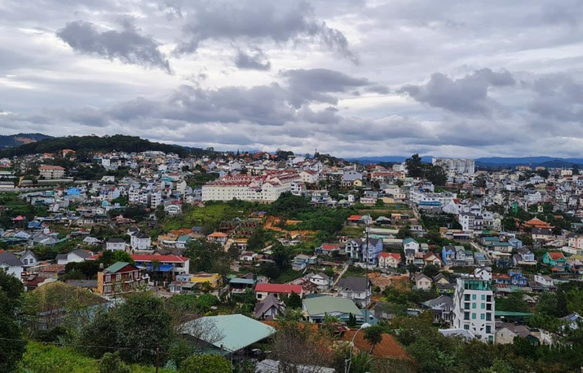 Trong bối cảnh du lịch quốc tế đóng băng, các điểm du lịch nội địa như Đà Lạt ngày càng được nhiều du khách tìm đến (Ảnh: CTV/Vietnam+)