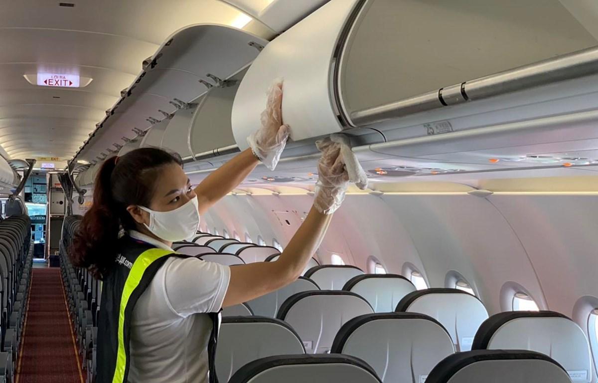 Tàu bay Vietjet được vệ sinh sau mỗi chuyến bay. (Ảnh: CTV/Vietnam+)