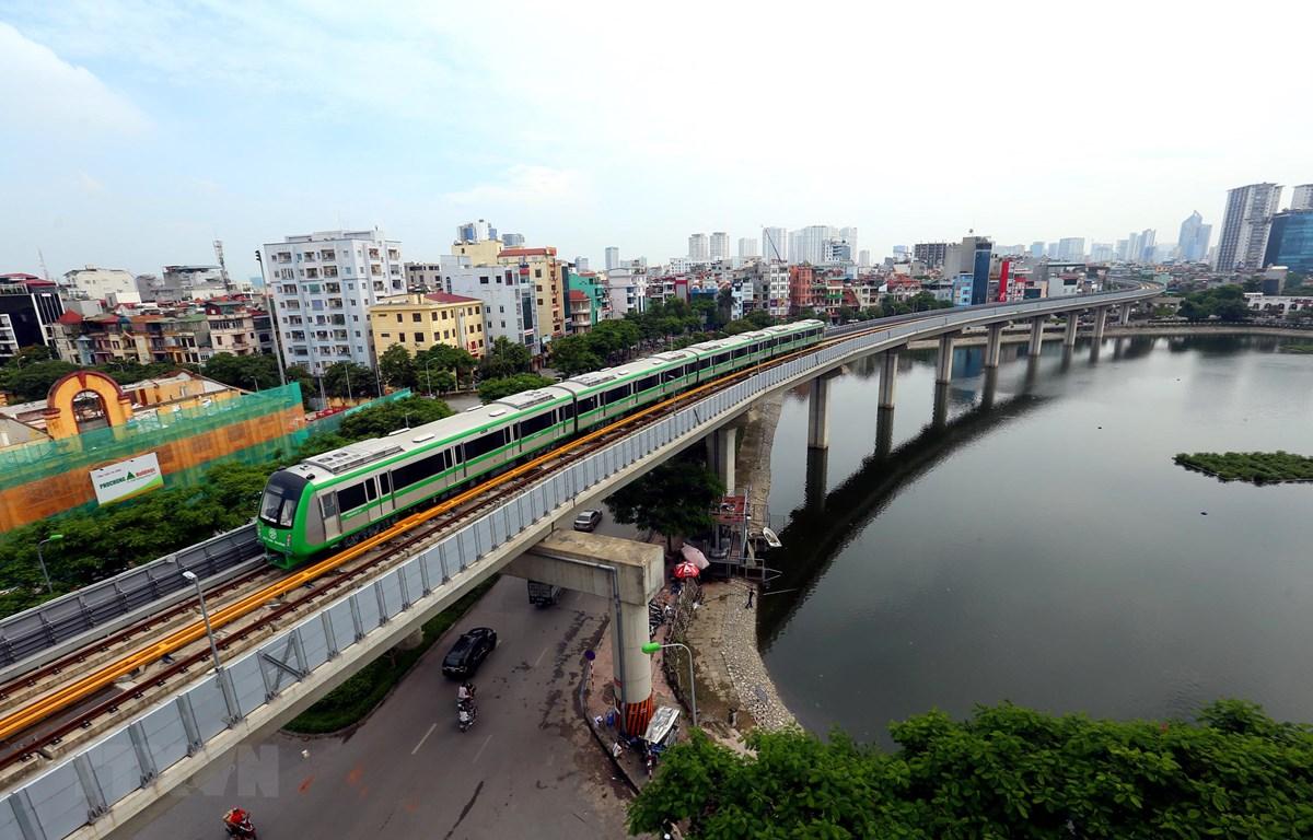 Dự án đường sắt đô thị Cát Linh-Hà Đông sắp được đưa vào vận hành khai thác thương mại. (Ảnh: Huy Hùng/TTXVN)