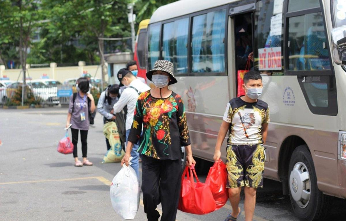 Bộ Giao thông Vận tải đã đưa ra dự thảo về kế hoạch tổ chức hoạt động vận tải hành khách sau nới lỏng giãn cách. (Ảnh: Việt Hùng/Vietnam+)