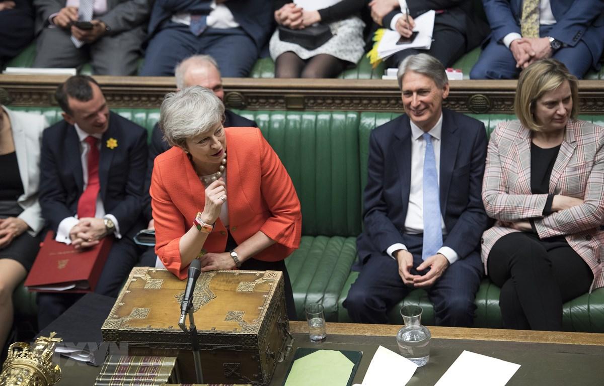 Thủ tướng Anh Theresa May phát biểu tại cuộc họp Hạ viện ở London ngày 27/2/2019. (Ảnh: THX/TTXVN)