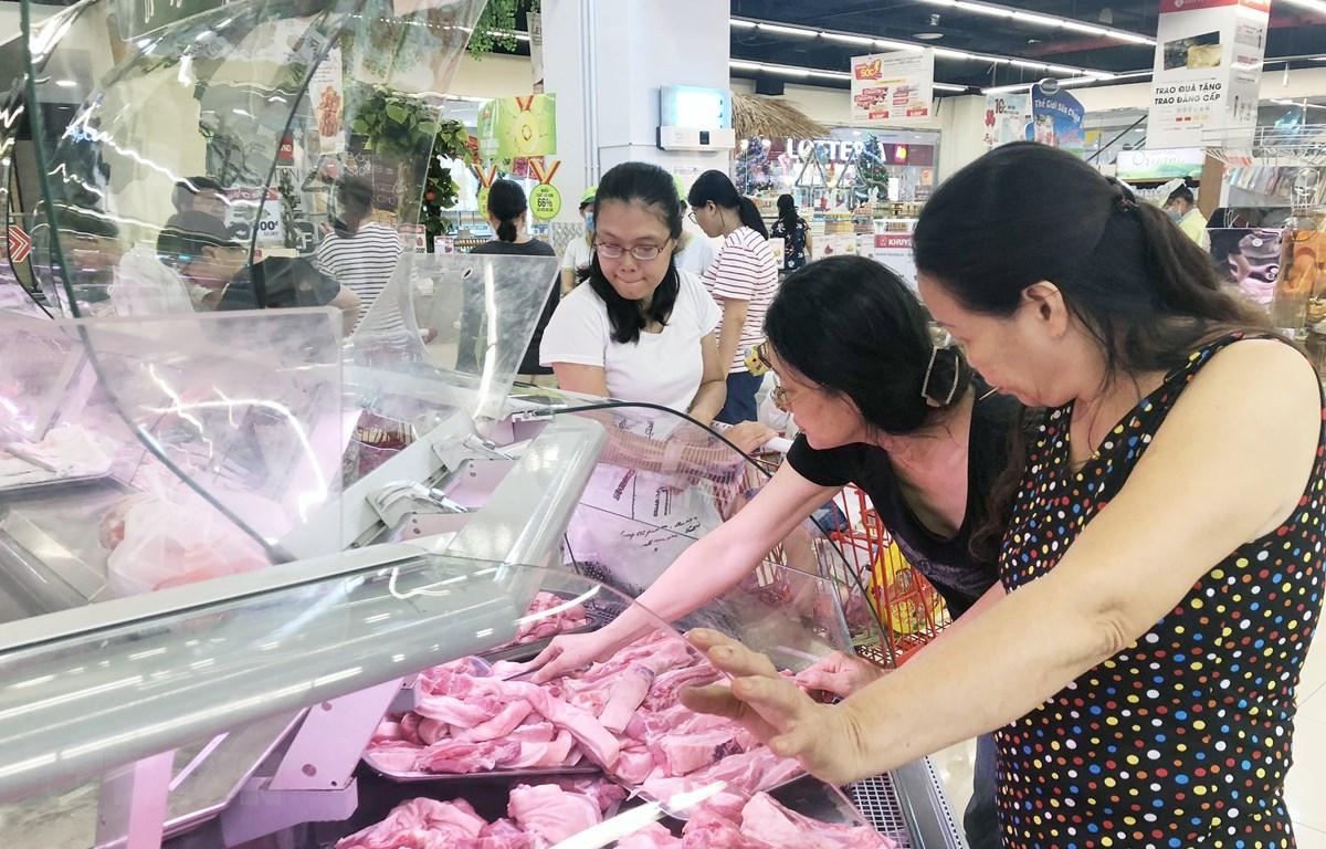 Nguồn cung thịt lợn tại Thành phố Hồ Chí Minh đảm bảo ổn định. (Ảnh: Mỹ PhươngTTXVN)