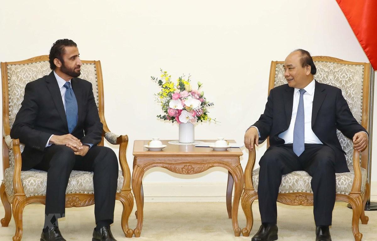 Thủ tướng Nguyễn Xuân Phúc tiếp ông Mohammed Ibrahim Al Shaibani, Tổng giám đốc điều hành Tập đoàn Đầu tư Dubai. (Ảnh: Thống Nhất/TTXVN)