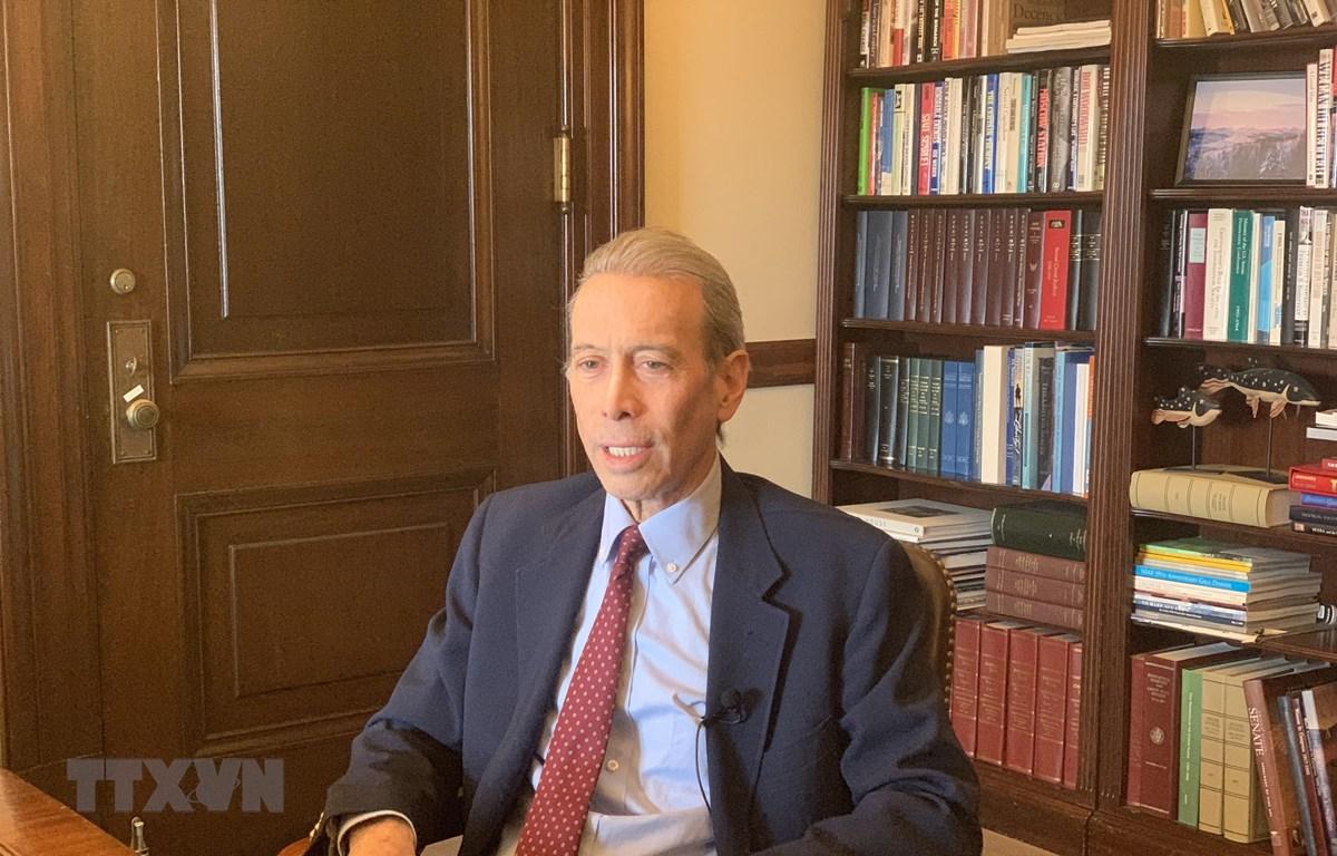 Ông Timothy Rieser, Cố vấn cao cấp Ủy ban Chuẩn chi Thượng viện Mỹ, Trợ lý chính sách đối ngoại văn Phòng Thượng nghị sĩ Patrick Leahy trả lời phỏng vấn. (Ảnh: Đặng Huyền/TTXVN)