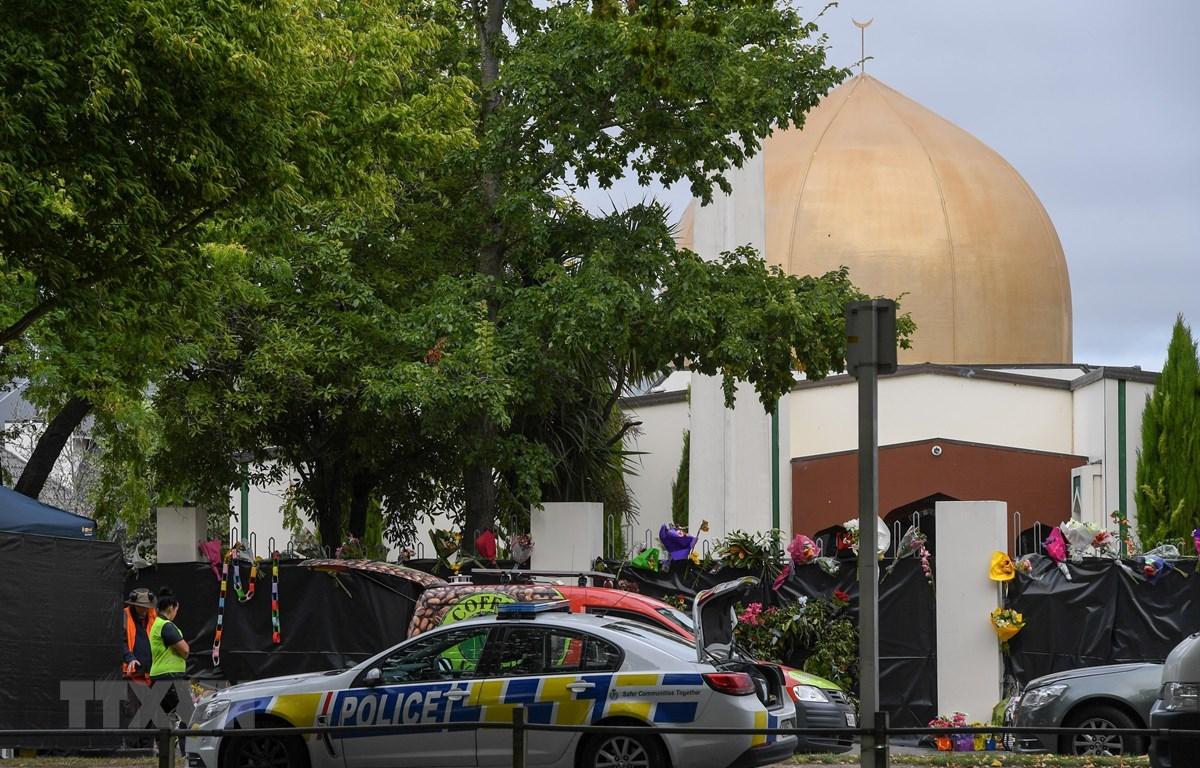 Cảnh sát tuần tra tại hiện trường vụ xả súng ở Christchurch, New Zealand ngày 21/3/2019. (Ảnh: THX/TTXVN)