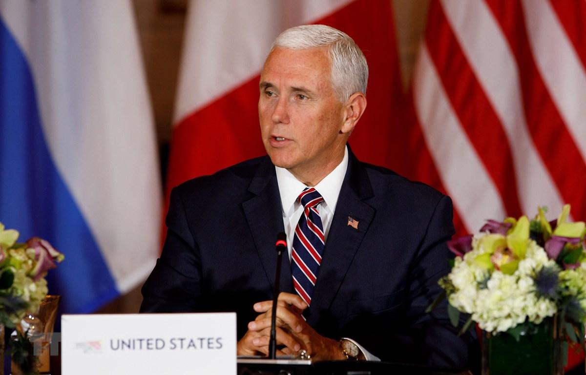 Phó Tổng thống Mỹ Mike Pence tại cuộc họp báo ở Washington D.C. (Ảnh: THX/TTXVN)