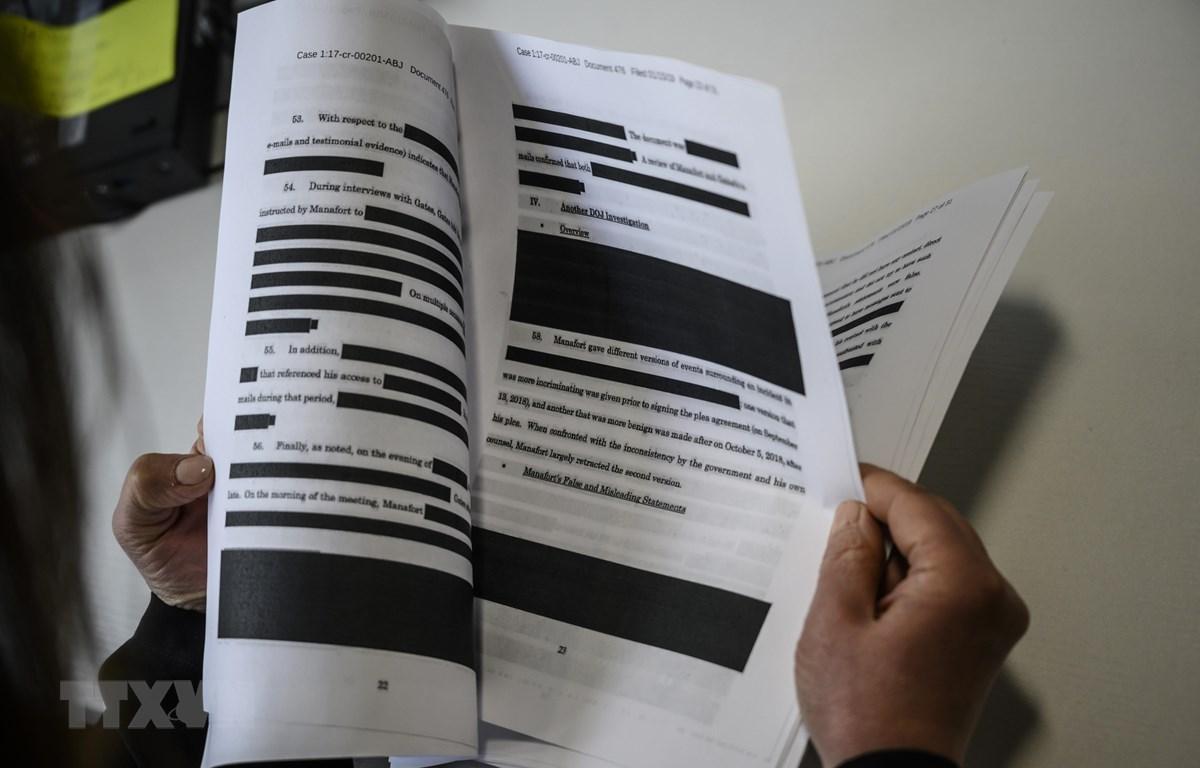 Báo cáo điều tra của Công tố viên đặc biệt Robert Mueller được trình lên tòa án ngày 16/4/2019. (Ảnh: AFP/TTXVN)