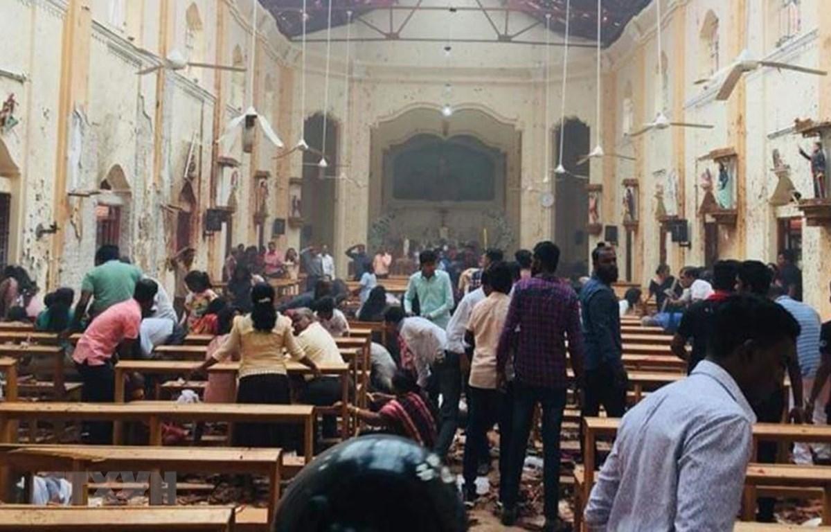 Hiện trường đổ nát sau vụ nổ tại một nhà thờ ở Kochchikade, thủ đô Colombo, Sri Lanka ngày 21/4/2019. (Ảnh: INDIA TODAY/TTXVN)