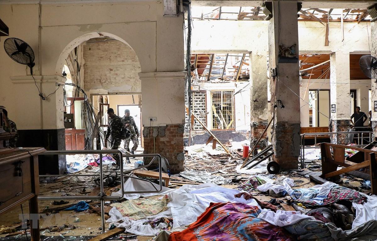 Hiện trường vụ nổ tại nhà thờ St. Anthony ở Kochchikade, Colombo, Sri Lanka, ngày 21/4/2019. (Ảnh: AFP/ TTXVN)