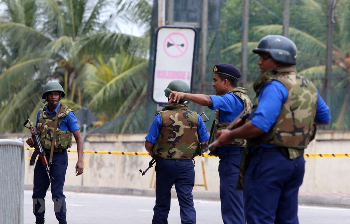 Lực lượng an ninh Sri Lanka tuần tra tại thủ đô Colombo ngày 27/4/2019. (Ảnh: THX/TTXVN)