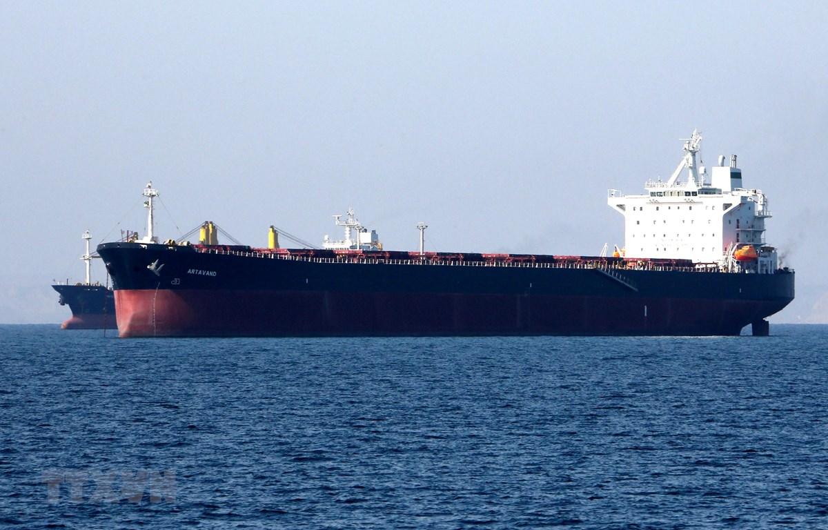 Tàu chở dầu của Iran tại cảng Bandar Abbas, Iran, ngày 30/4/2019. (Ảnh: AFP/TTXVN)