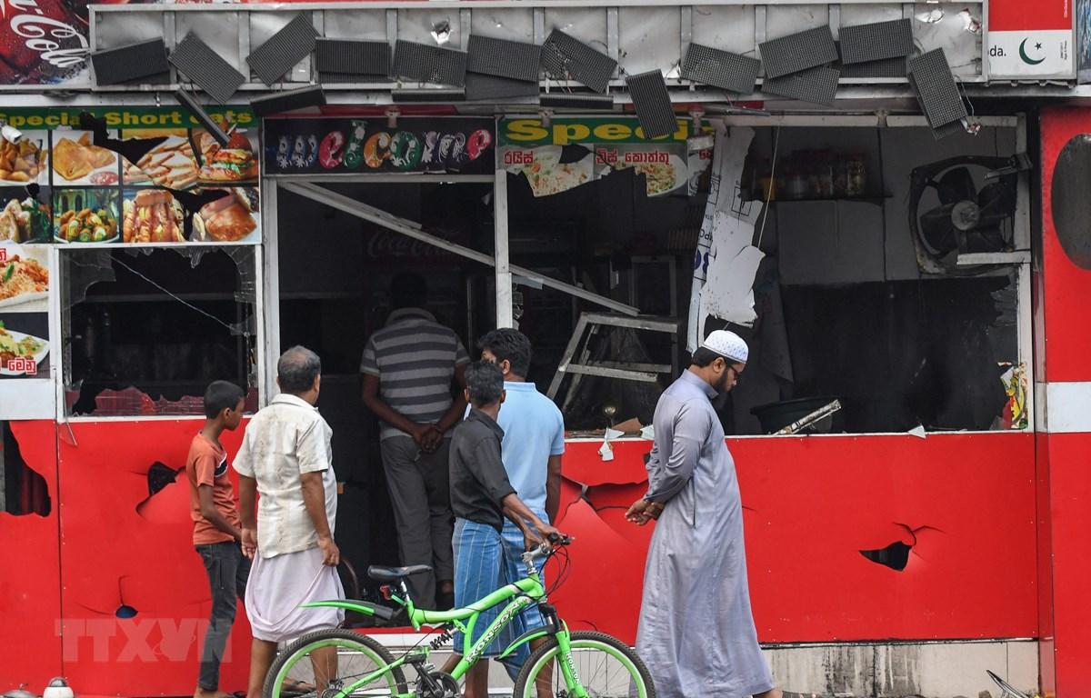 Hiện trường vụ đụng độ ở Minuwangoda, Sri Lanka, ngày 14/5/2019. (Ảnh: AFP/ TTXVN)