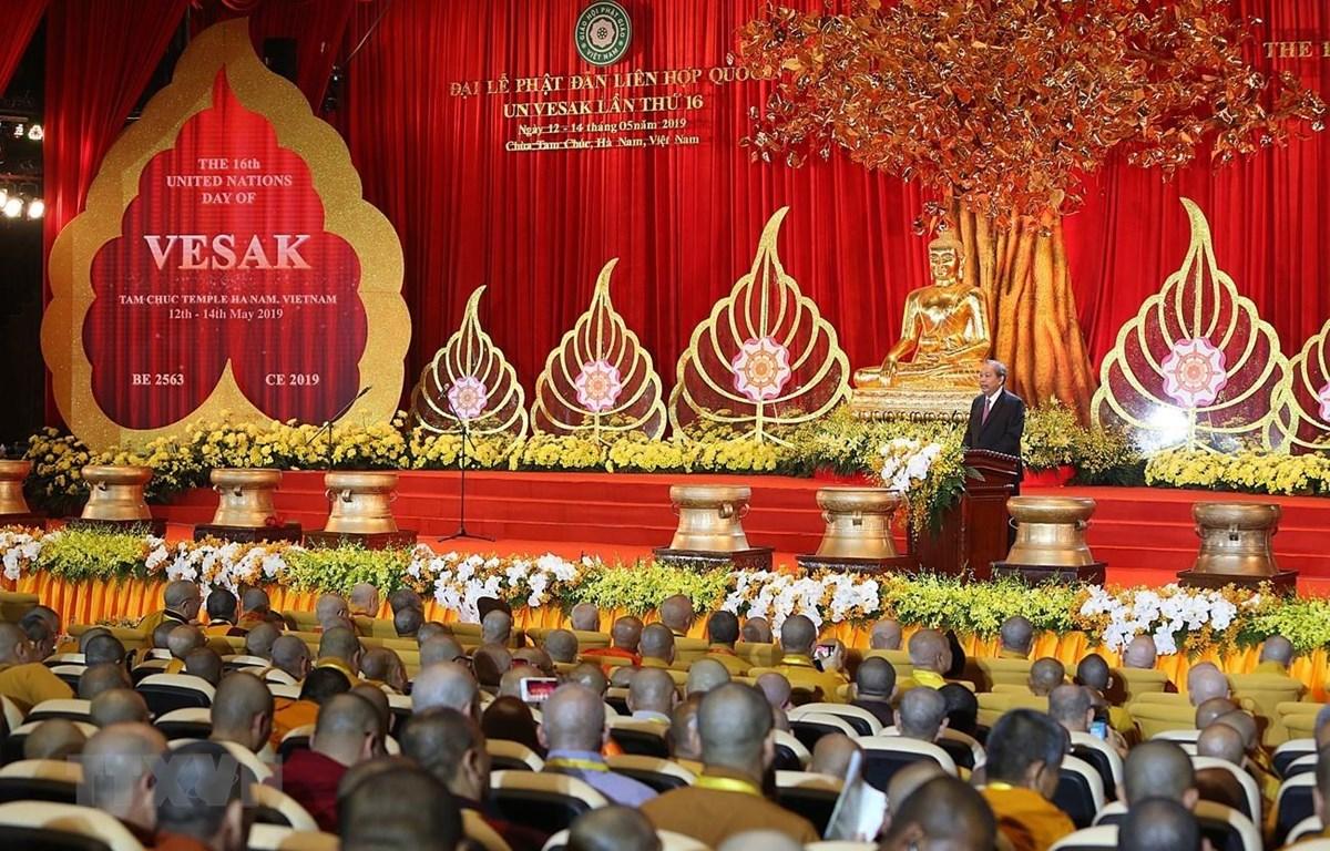 Phó Thủ tướng Thường trực Chính phủ Trương Hòa Bình phát biểu, chúc mừng thành công Đại lễ Vesak 2019. (Ảnh: Dương Giang/TTXVN)