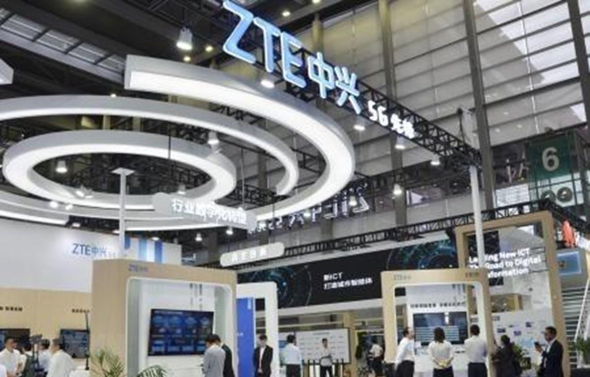 Một gian hàng của ZTE tại Hội chợ công nghệ cao Trung Quốc, Thâm Quyến ngày 14/11/2018. (Ảnh: Kyodo/ TTXVN)