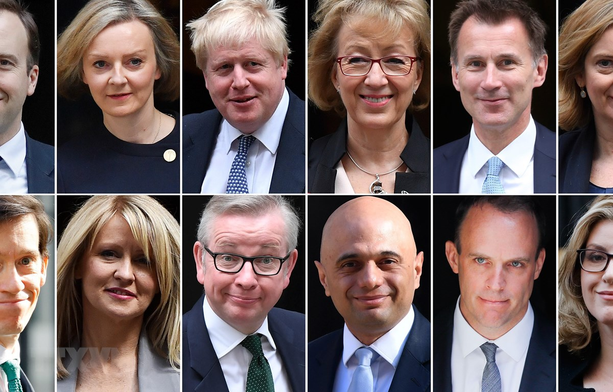 Cựu Ngoại trưởng Anh Boris Johnson (thứ 3 trái -trên) và các ứng cử viên có thể thay thế Thủ tướng Anh Theresa May. (Ảnh: AFP/TTXVN)