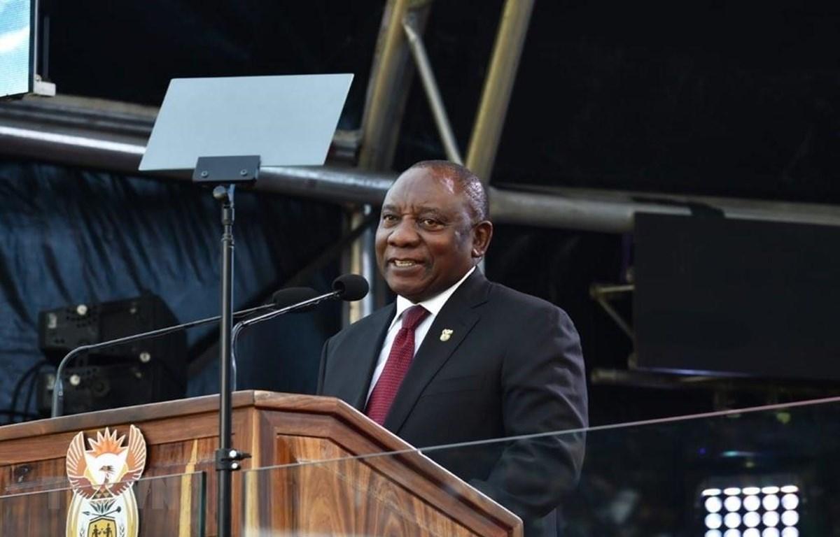 Tổng thống Nam Phi Cyril Ramaphosa đọc diễn văn nhậm chức. (Ảnh: Phi Hùng/TTXVN)
