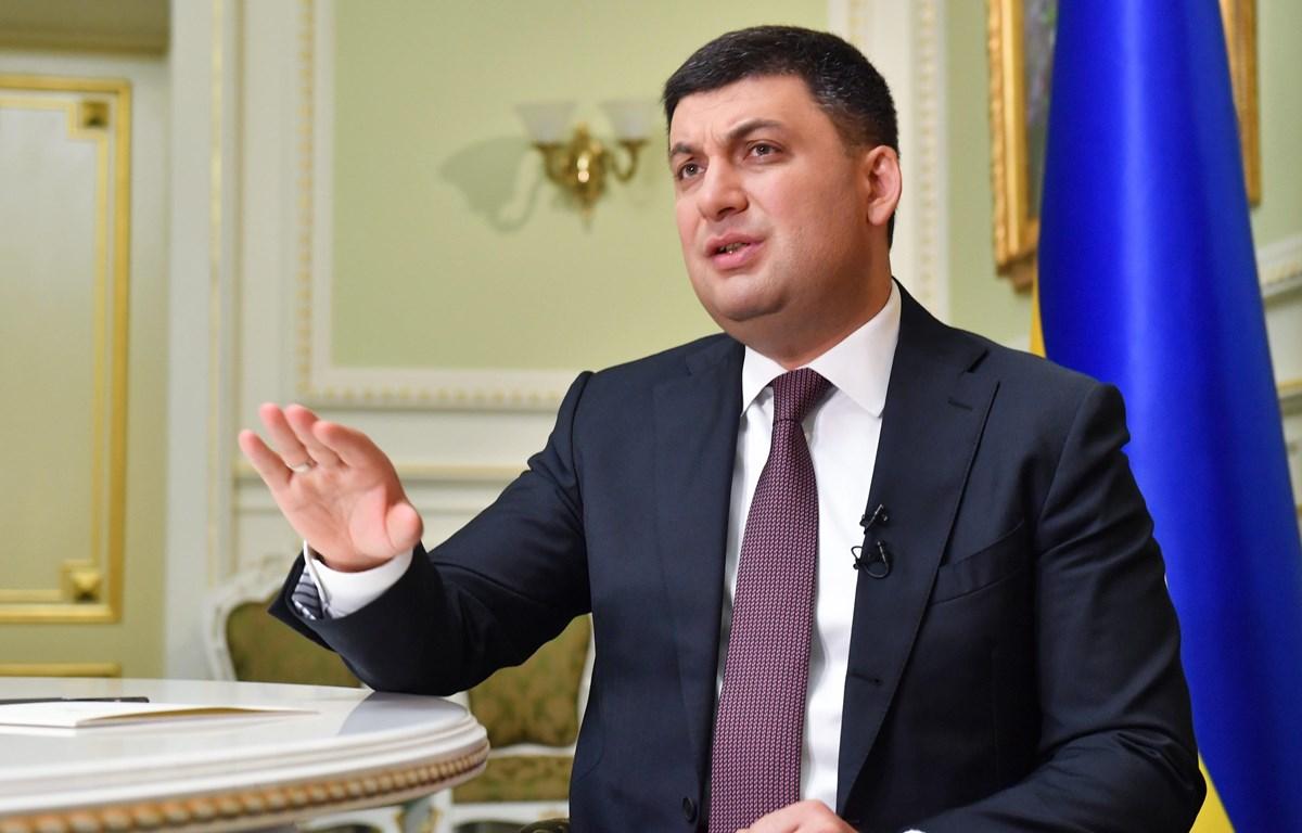 Thủ tướng Ukraine Volodymyr Groysman trong cuộc họp báo ở Kiev ngày 15/5/2018. (Ảnh: AFP/TTXVN)