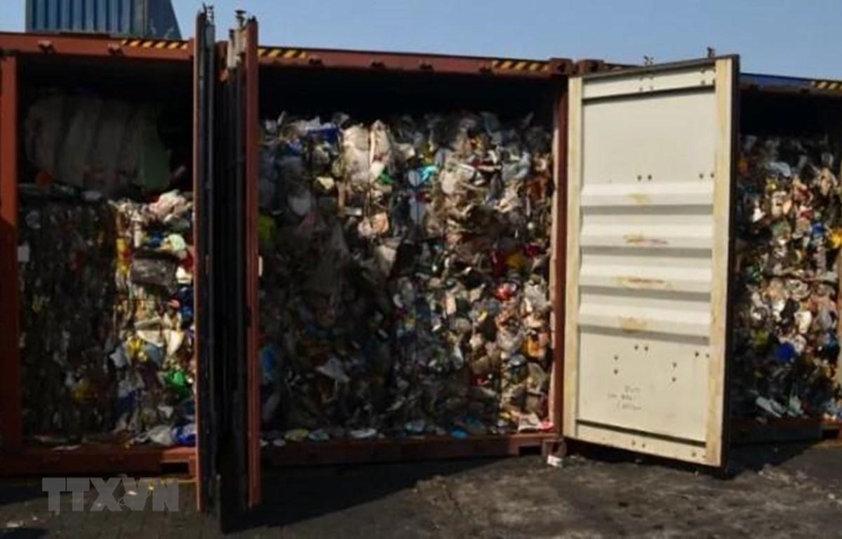 Các container rác thải của Canada tại cảng Subic của Philippines. (Ảnh: CBC/TTXVN)
