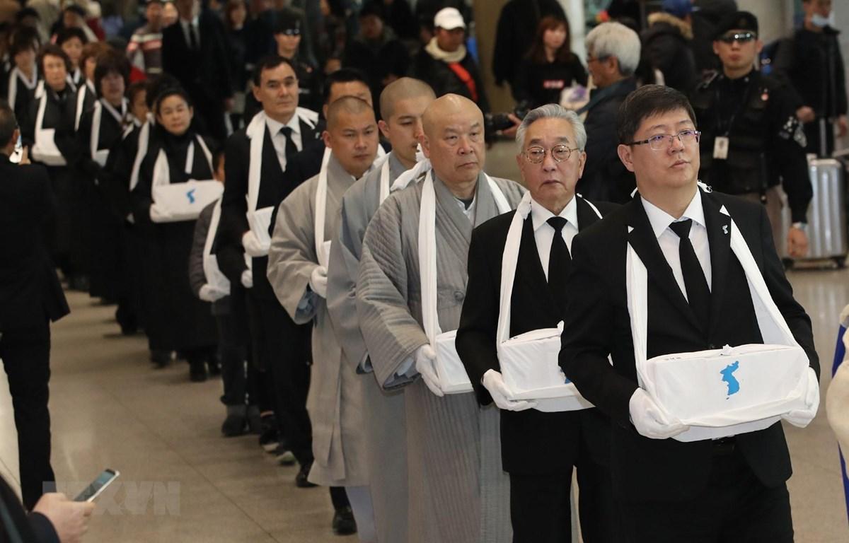 Hàn Quốc hồi hương hơn 70 bộ hài cốt lao động cưỡng bức từ Nhật Bản về nước. (Ảnh: YONHAP/TTXVN)