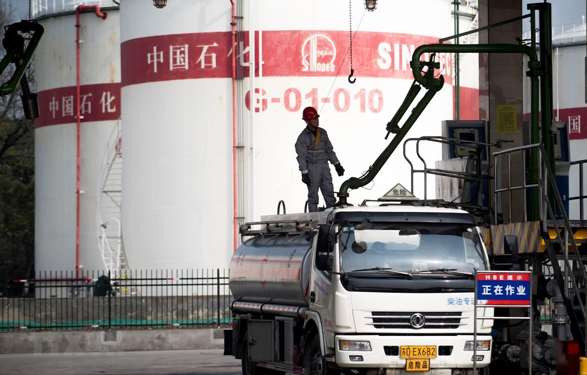 Một trạm xăng ở Thượng Hải, Trung Quốc. (Ảnh: AFP/ TTXVN)