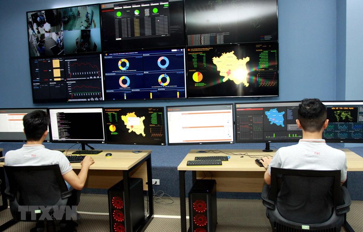 Trung tâm điều hành an ninh mạng SOC tỉnh Thái Bình. (Ảnh: Thế Duyệt/TTXVN)