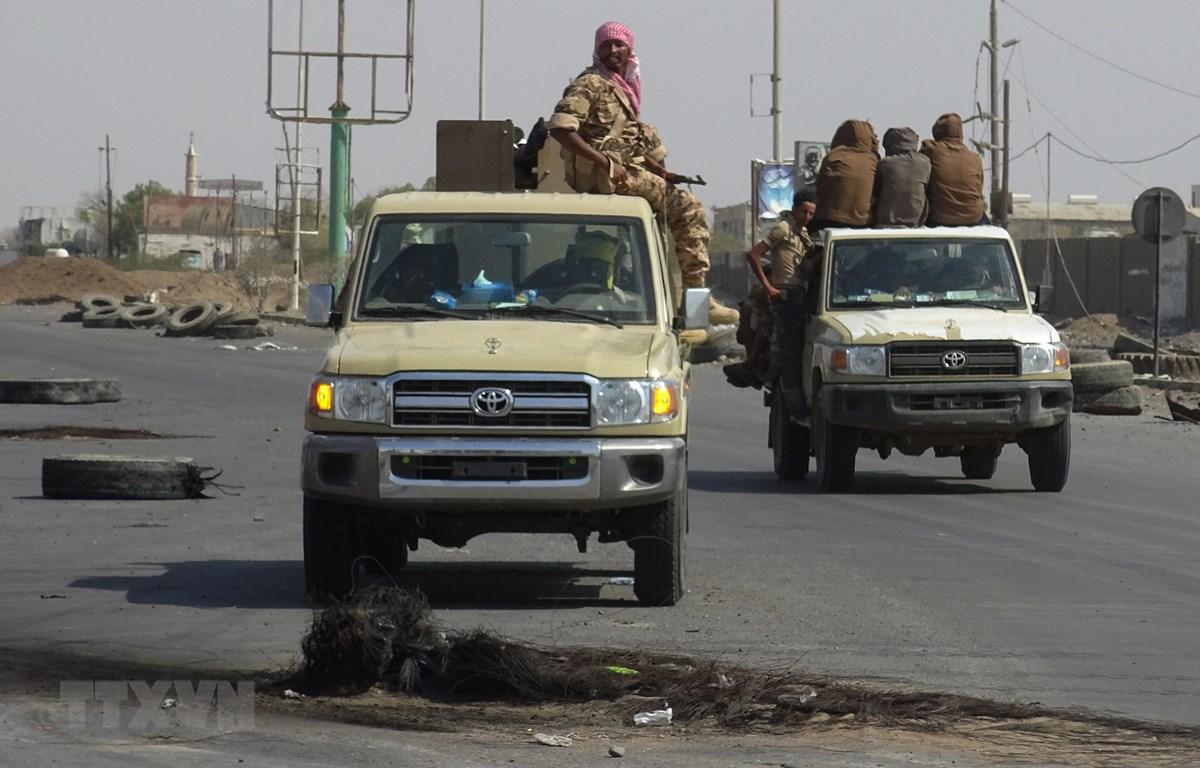 Binh sỹ ủng hộ chính phủ Yemen tại thành phố cảng Hodeida ngày 29/12/2018. (Ảnh: AFP/TTXVN)