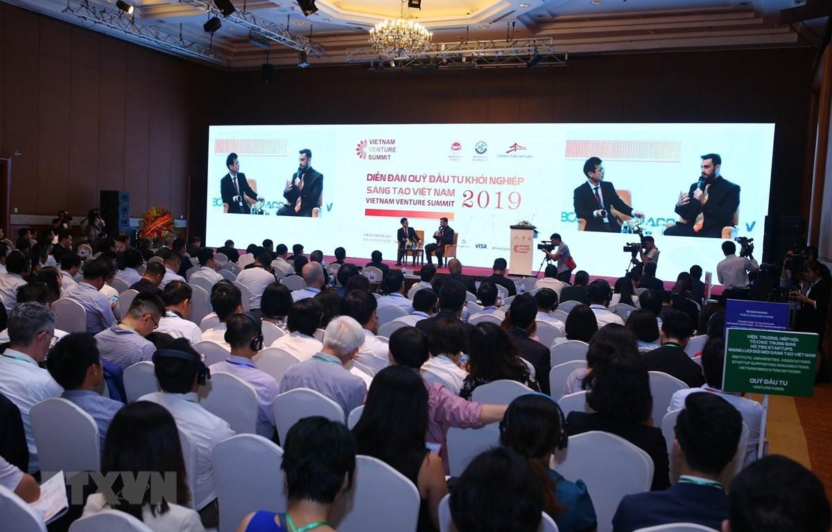 Vietnam Venture Summit quy tụ những tên tuổi lớn như Softbank Vision Fund; Sequoia, SK, Temasek, Insignia, Golden Gate Venture, Hanwha... , là các quỹ hàng đầu đến từ Thung lũng Silicon, Nhật Bản, Singapore, Hàn Quốc. (Ảnh: Danh Lam - TTXVN)