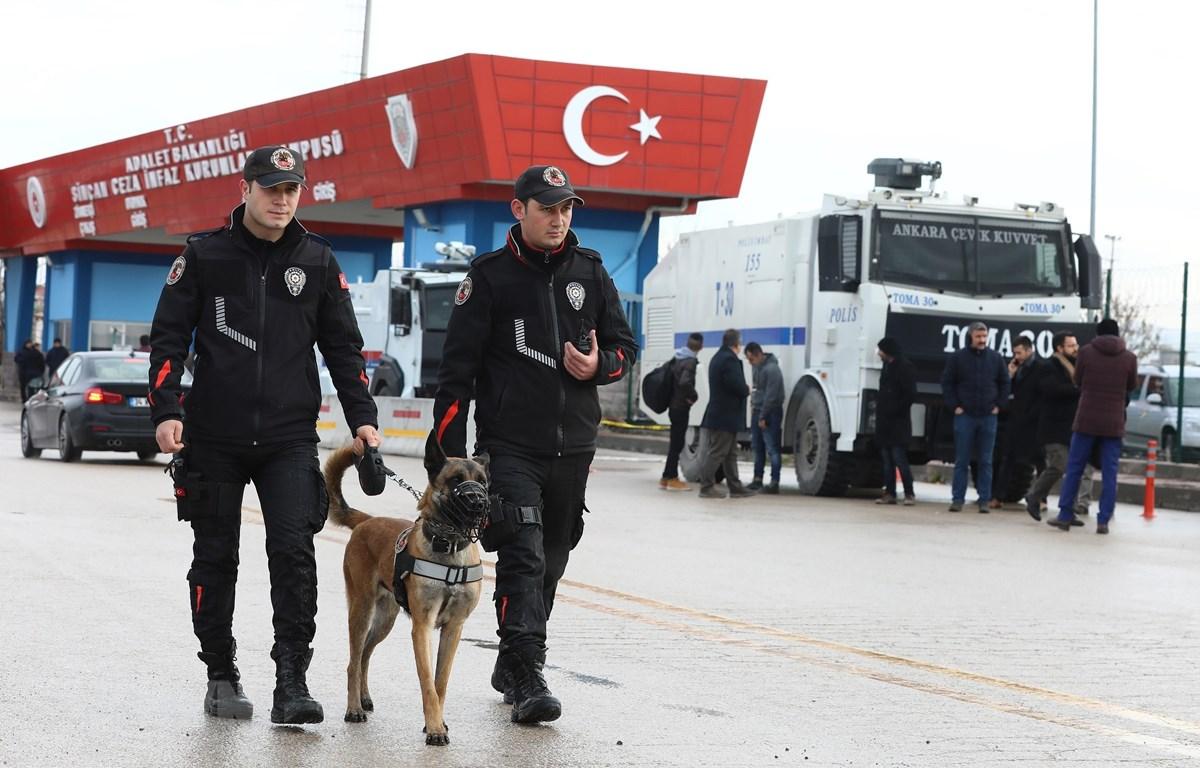 Cảnh sát Thổ Nhĩ Kỳ tuần tra tại thủ đô Ankara. (Ảnh: AFP/TTXVN)