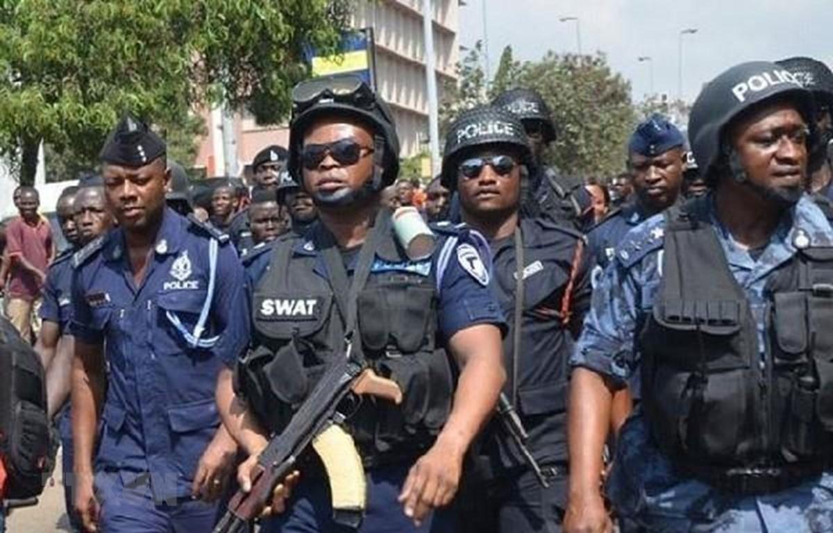 Lực lượng an ninh Ghana tham gia giải cứu hai nữ công dân Canada bị bắt cóc tại thành phố Kumasi. (Ảnh: Ghanaweb/TTXVN)