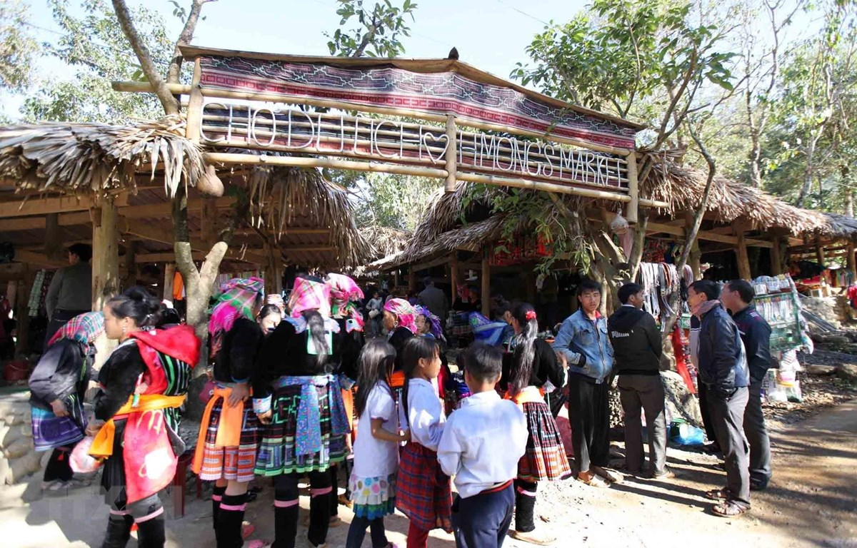 Chợ phiên Sin Suối Hồ, xã Sin Suối Hồ (Phong Thổ, Lai Châu). (Ảnh: Quý Trung/TTXVN)