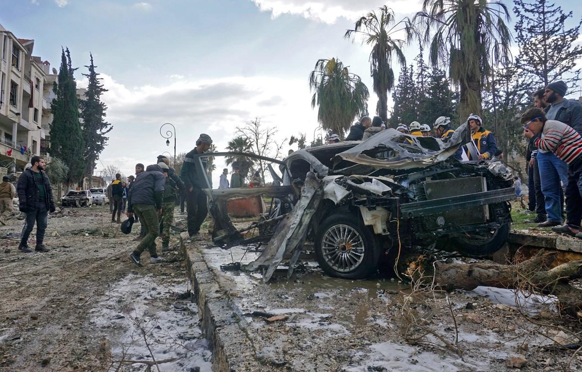 Hiện trường một vụ đánh bom ở Idlib, Syria, ngày 18/2/2019. (Ảnh: AFP/ TTXVN)