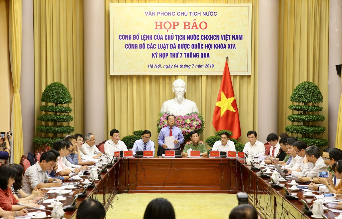 Ông Đào Việt Trung, Ủy viên Trung ương Đảng, Chủ nhiệm Văn phòng Chủ tịch nước chủ trì buổi họp báo. (Ảnh: Dương Giang/TTXVN)