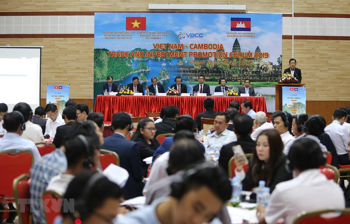 Quang cảnh Diễn đàn Thúc đẩy Thương mại và Đầu tư Việt Nam-Campuchia năm 2019. (Ảnh: PV/TTXVN)