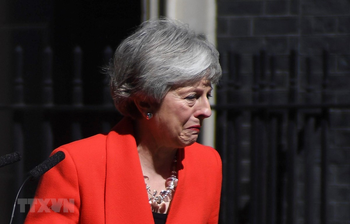 Thủ tướng Anh Theresa May chính thức đệ đơn từ chức. (Ảnh: THX/TTXVN)