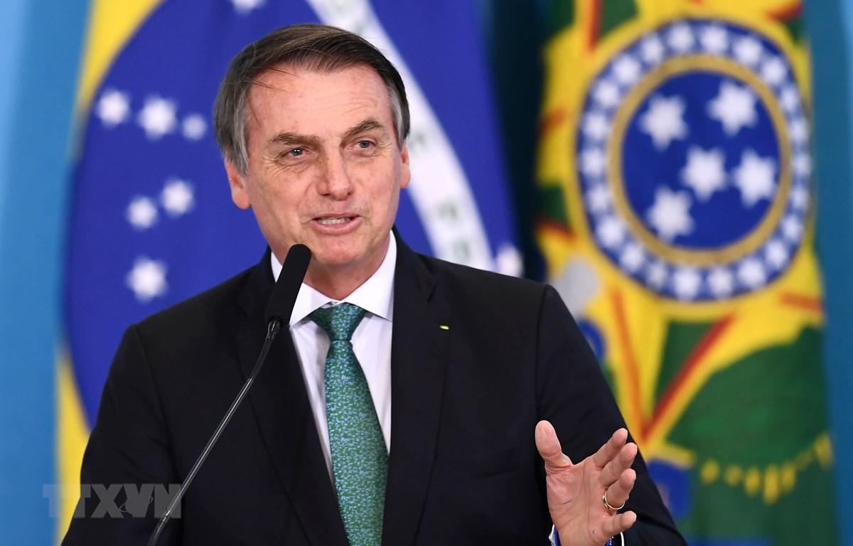 Tổng thống Brazil Jair Bolsonaro công bố kế hoạch kích thích kinh tế tại Brasilia ngày 24/7/2019. (Ảnh: AFP/ TTXVN)