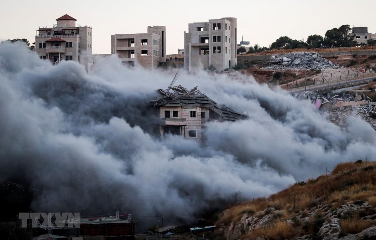 Một tòa nhà của người Palestine tại Sur Baher, Đông Jerusalem bị phá dỡ ngày 22/7/2019. (Ảnh: AFP/TTXVN)