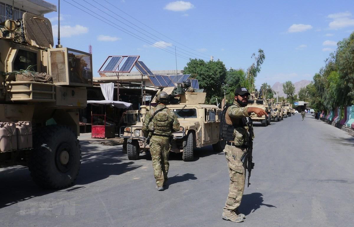 Lực lượng an ninh Afghanistan trong chiến dịch truy quét Taliban tại Farah. (Ảnh: AFP/ TTXVN)