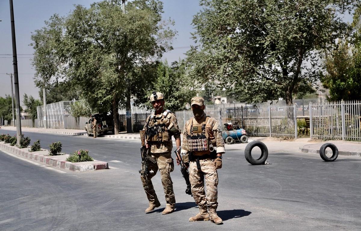 Lực lượng an ninh Afghanistan gác tại thủ đô Kabul ngày 25/7/2019. (Ảnh: THX/TTXVN)