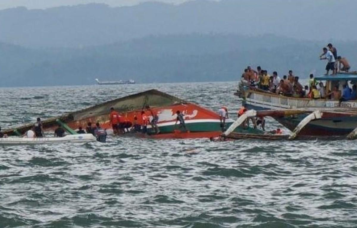Hiện trường vụ chìm phà ở miền Trung Philippines ngày 3/8/2019. (Ảnh: AP/TTXVN)